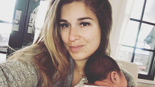 Jessie James Decker Slammed For Breastfeeding While Holding What Appears To Be Alcohol