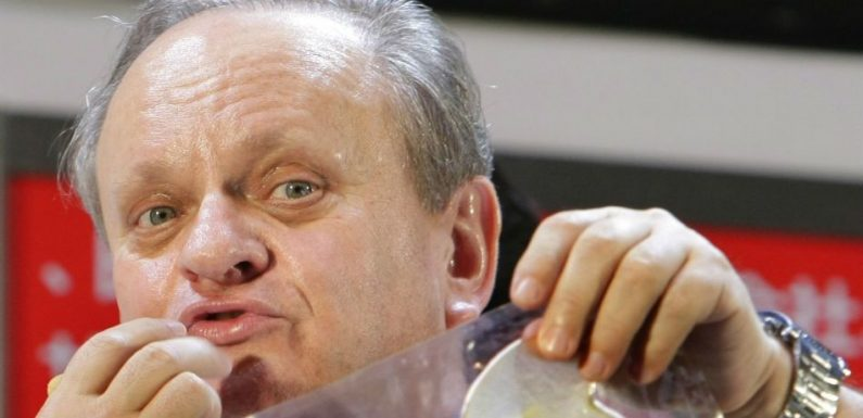 French Chef Joel Robuchon Dead At 73 After Cancer Battle