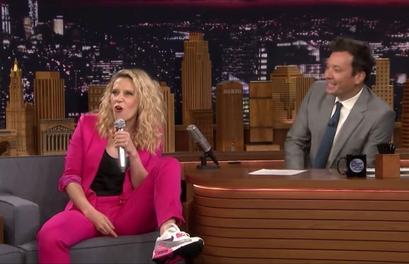 Kate McKinnon Wows Jimmy Fallon by Rapping in Hungarian: 'This Is Unbelievable!'