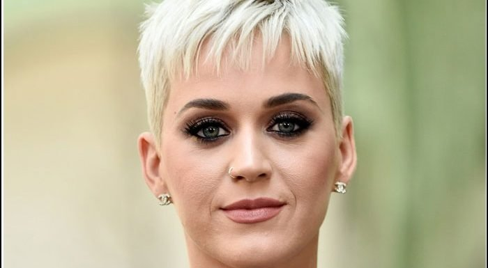 Katy Perry Visits Sick Fan In Australia