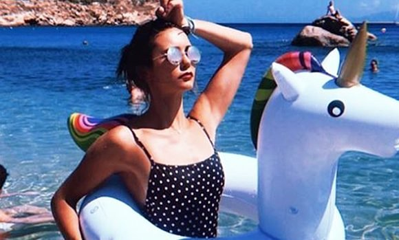 17 Sexy Celebs In Polka Dot Bathing Suits — Nina Dobrev, Bella Thorne & More