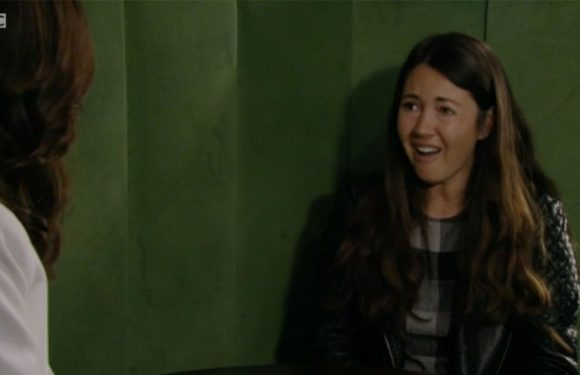 EastEnders favourite returns but fans spot problem with how she contacted Stacey