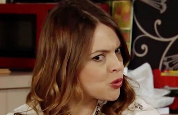 Corrie's Tracy's sleuthing leads to big discovery as fans bemoan 'boring' story