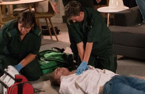 Corrie fans spot major blunder about Cormac's death and what paramedics do next