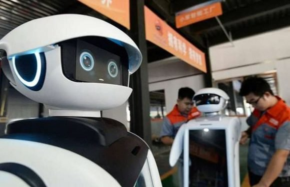 Robots and artificial intelligence will take over HALF of jobs by 2025