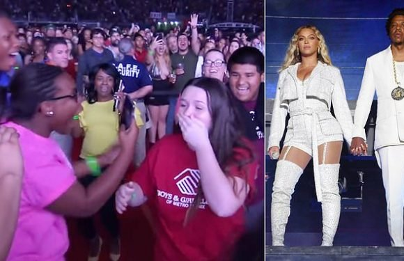 Student finds out Jay Z and Beyonce are giving her $100k scholarship