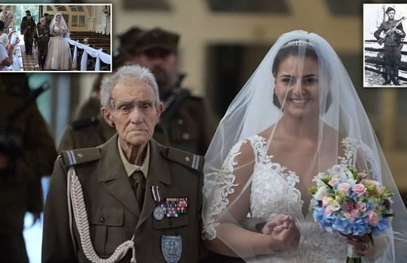 WWII hero, 94, dies two days after walking granddaughter down aisle