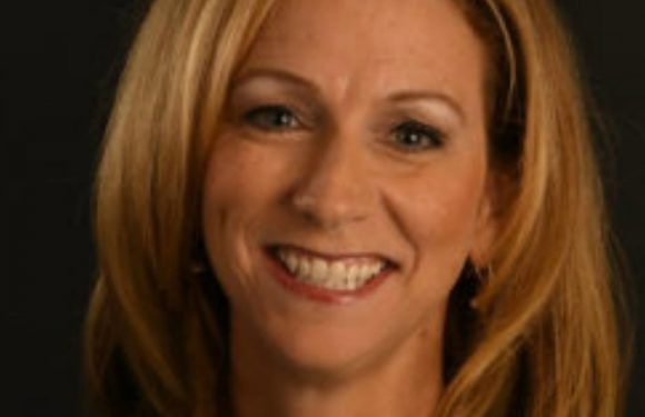 Who is Beth Mowins? All you need to know about new ESPN Monday Night Football announcer