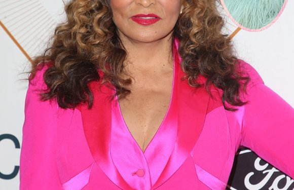 Beyonce's Mom Wishes Her Happy Birthday With A Sweet Throwback Pic!