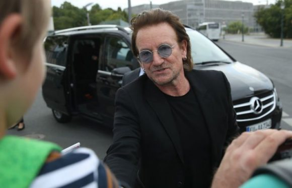 U2's Bono Completely Loses His Voice, Stops Berlin Concert When Voice Suddenly Fails