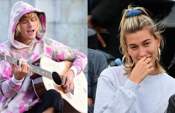 Justin Bieber Sings to Hailey Baldwin Outside of One of London's Famous Sights!
