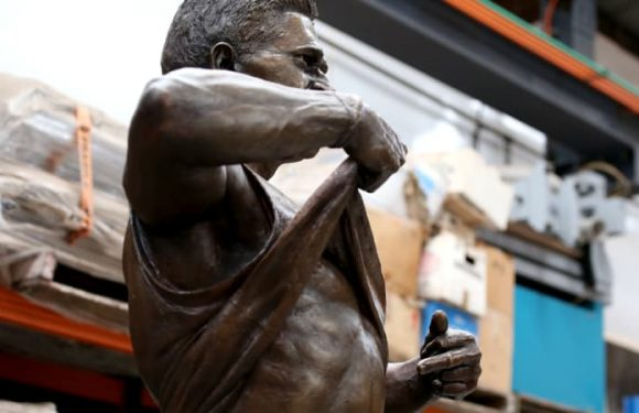 Indigenous past players group baffled by Winmar statue uncertainty