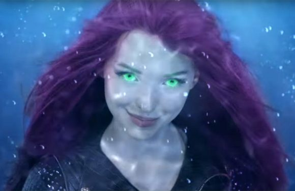Mal Goes Underwater In Search For Uma in 'Descendants Under The Sea' Teaser – Watch!