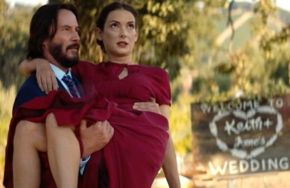 Talk About a 'Destination Wedding': Keanu Reeves Thrills Newlyweds With Excellent Photo