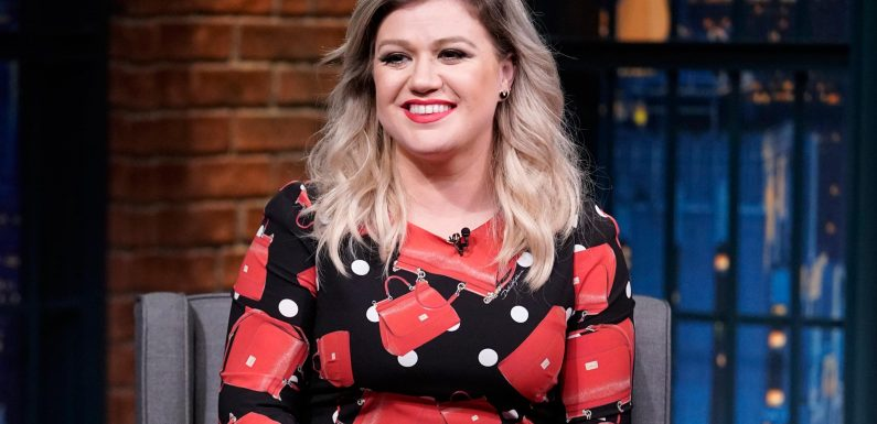 Kelly Clarkson Reveals Her One Fear About Hosting Her Own Talk Show: 'I Don't Shut Up'