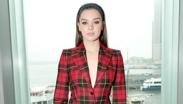 Hailee Steinfeld Accused Of Using The N-Word By Hacker Who Broke Into Her Twitter Account DMs