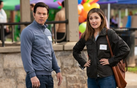 Mark Wahlberg & Rose Byrne Are in Over Their Heads as Foster Parents in Instant Family Trailer