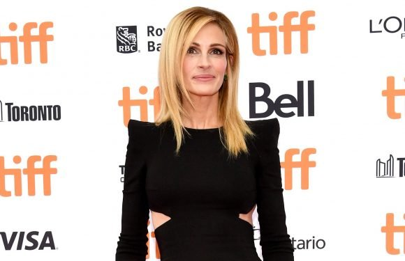 Julia Roberts Nails Her Response to Instagram Troll Hating on Her Mani