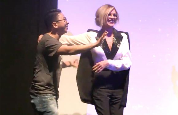 Julia Roberts Hugged Fan Onstage When She Realized He Flew from Indonesia to See Her