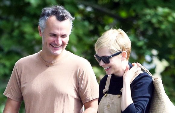 PICS: Michelle Williams Spotted With Husband Phil Elverum for First Time