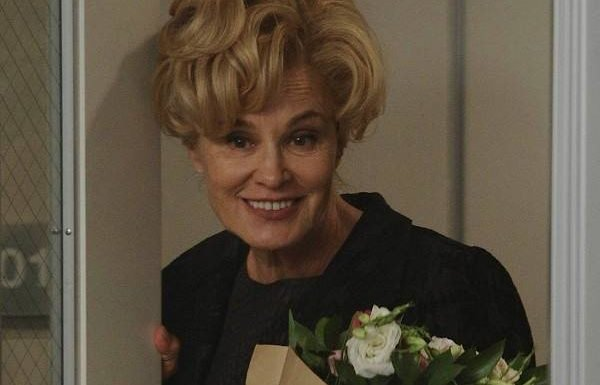 She's Back! See Jessica Lange's Return to American Horror Story