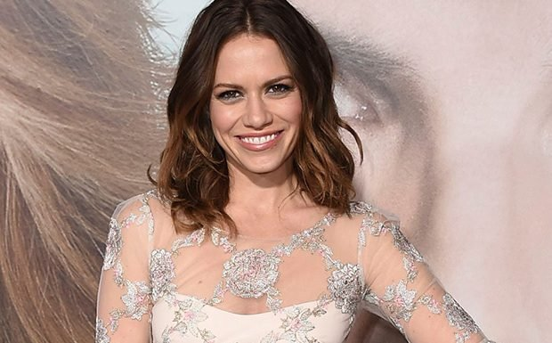 Suits Spinoff Adds Bethany Joy Lenz in Recast, 3 Others Join as Series Regulars