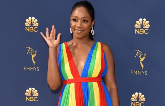 Tiffany Haddish Blesses the World in a Rainbow Dress at the 2018 Emmys