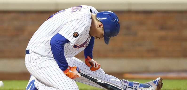 Wilmer Flores done for the year with arthritis in both knees