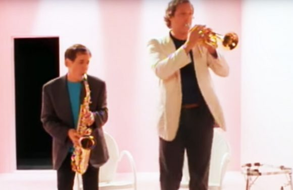 Flashback: Paul Simon and Chevy Chase's Hilarious 'You Can Call Me Al' Video
