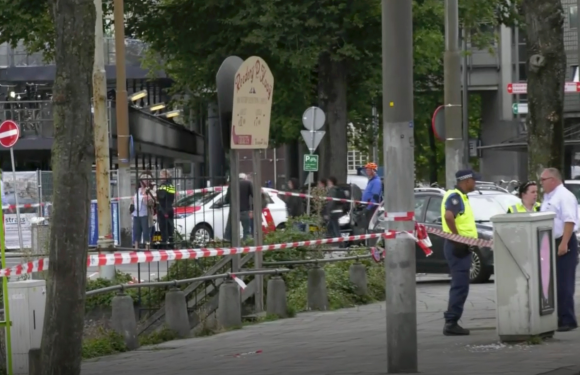The Latest: Dutch terror threat level stays at 4 of 5