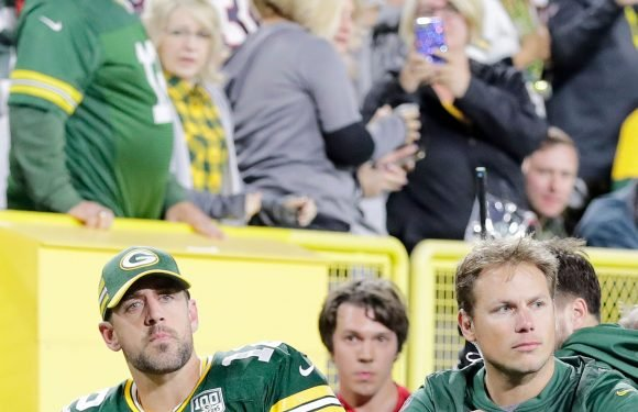 Packers QB Aaron Rodgers practices; decision on playing status comes Sunday
