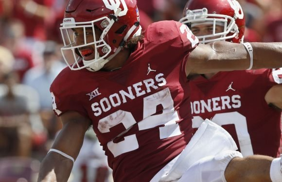 Oklahoma running back Rodney Anderson leaves UCLA game with injured leg