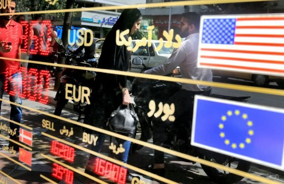 Fears rise in Iran as currency crash causes chaos