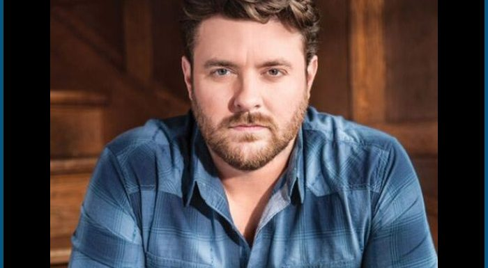 Chris Young Brings Out Brad Paisley At Nashville Show