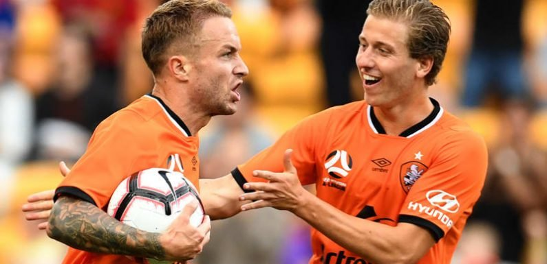 Taggart rescues Roar in stormy A-League draw with Mariners