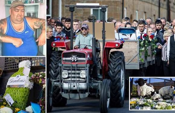 Travellers pay final respects to 'Gipsy King' at extravagant funeral