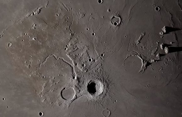 Stunning flyover video shows an up-close look at the lunar surface