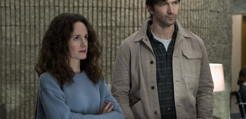 'The Haunting of Hill House' Review: Netflix's Spooky Season Has Sneaky Ambitions to Make Horror TV Grand
