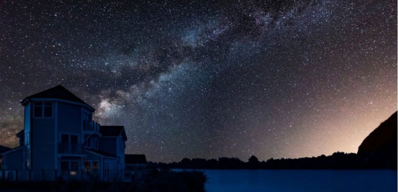 Mysterious Spectral Lines At The Heart Of The Milky Way Turn Out To Be Just An 'Optical Illusion'