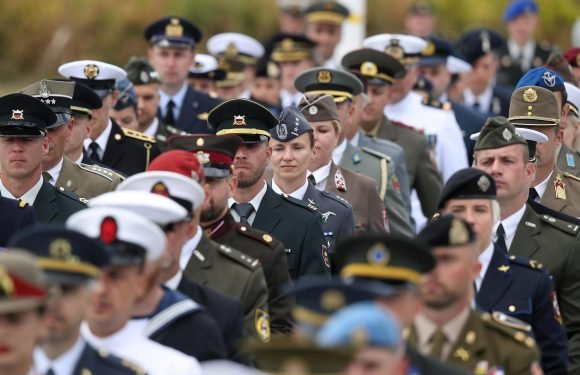 Eight-page Army Gender Identity Guide is confusing and contradictory says Colonel Richard Kemp