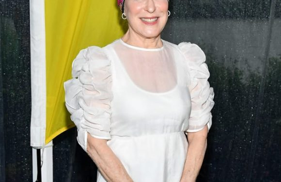 Bette Midler Compares Women to the N-Word, Desperately Tries to Walk It Back