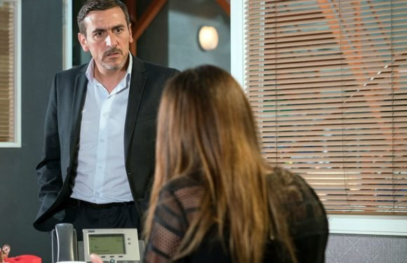 Coronation Street's Peter Barlow has a nasty shock for Carla Connor after quitting the factory