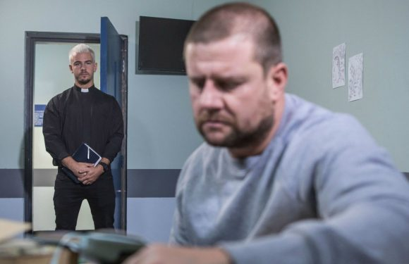 Hollyoaks brings back Pete Buchanan tonight in the aftermath of Cleo's heart attack