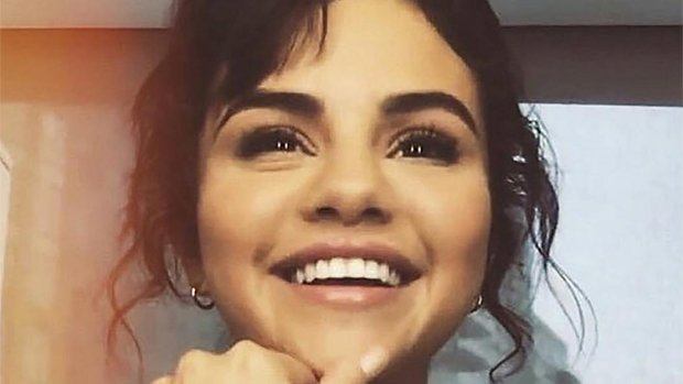 #PrayForSelena: Gomez's Fans Rally Around Her After 'Emotional Breakdown' — 'We Love You'