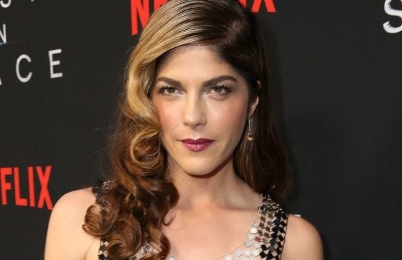 Selma Blair Reveals Multiple Sclerosis Diagnosis, Twitter Offers Praise and Support