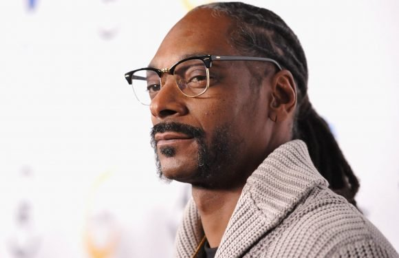 Snoop Dogg wears blinged-out 'Black Panther' necklace