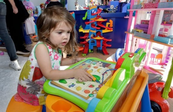 Toy sellers ramp up shoppers' experience ahead of holidays