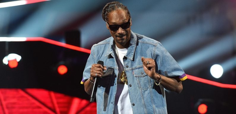 Did Snoop ditch the Steelers for the Browns?