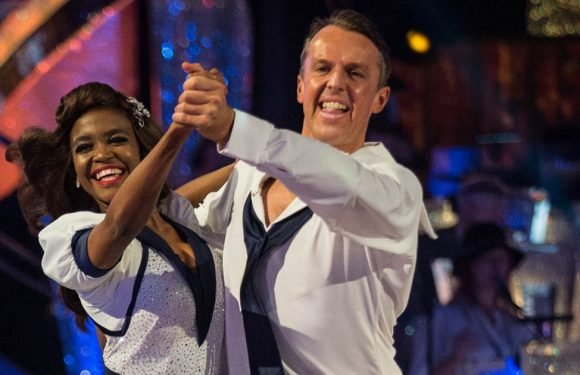 Strictly Come Dancing's Graeme Swann nearly falls over in shock Quickstep slip