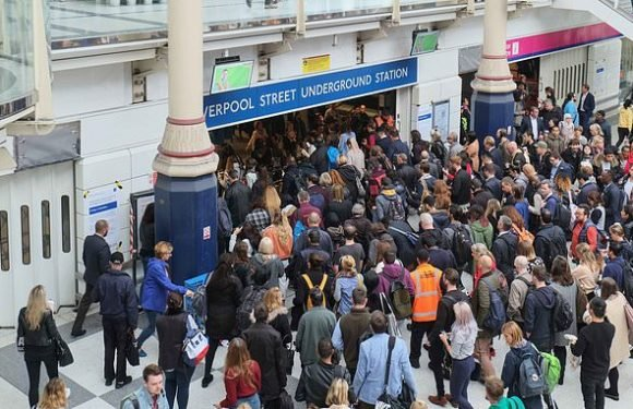 Tube chaos as workers set to stage 24-hour walk out on Wednesday